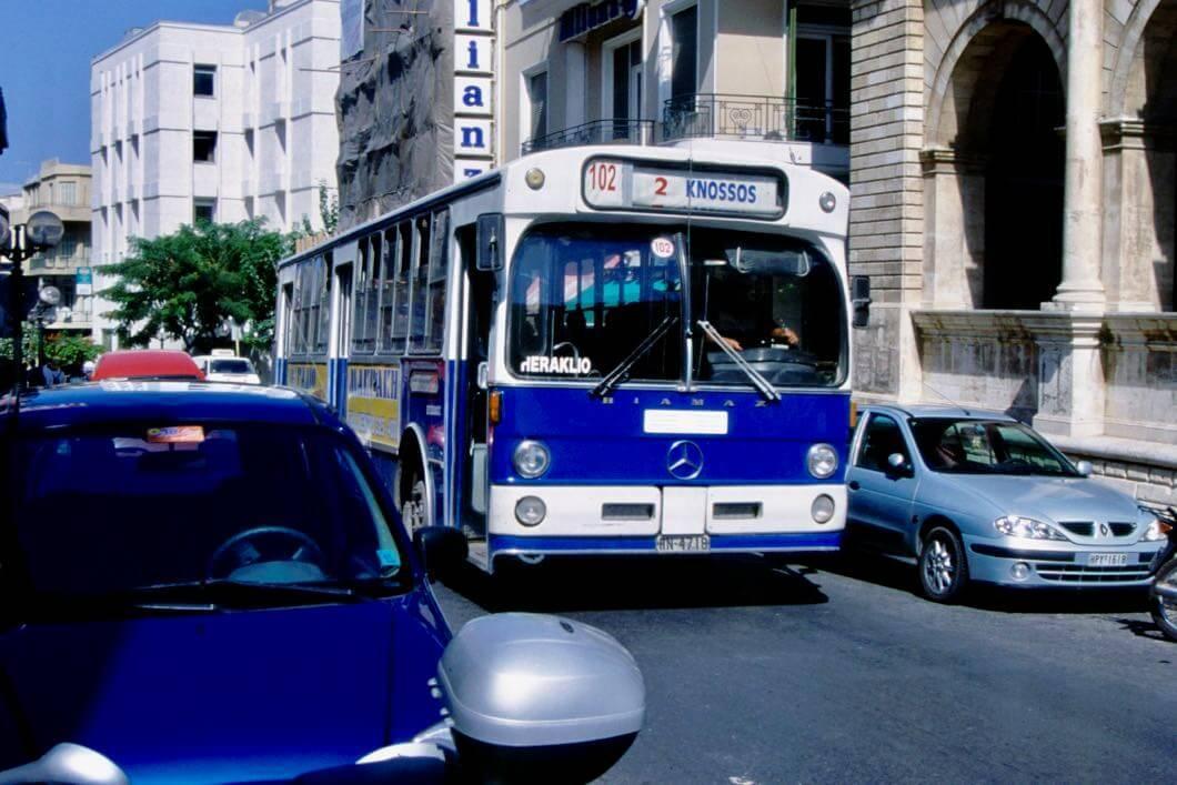 Der Bus ist auf Kreta ein beliebtes Verkehrsmittel
